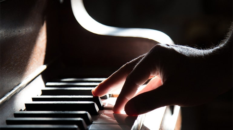 Can You Teach Yourself to Play the Piano
