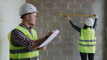 hire a licensed builder