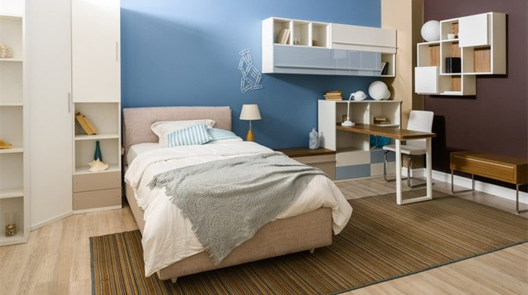 decorate your small bedroom